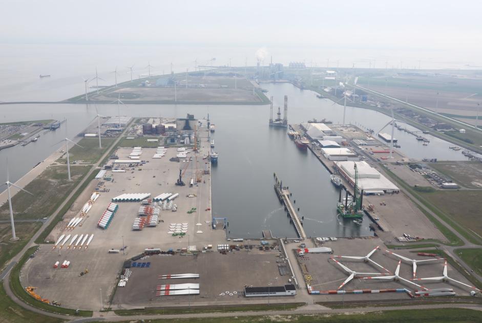 Volop offshore wind activiteiten in basis- en servicehaven Eemshaven