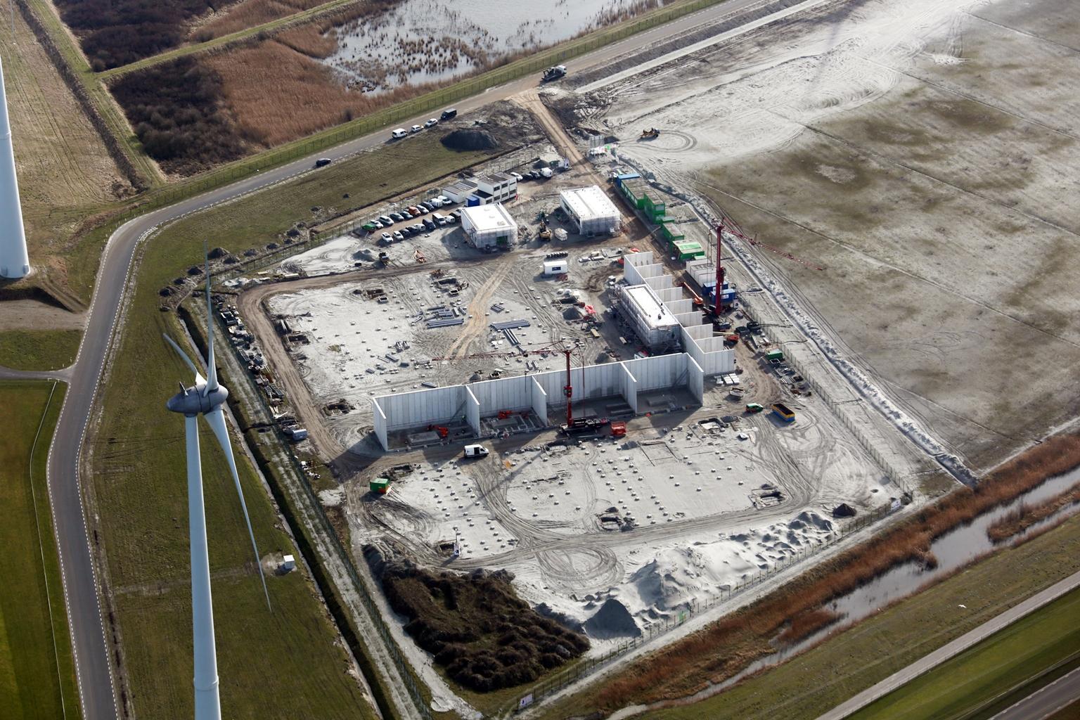 De bouw van het transformatorstation is in volle gang
