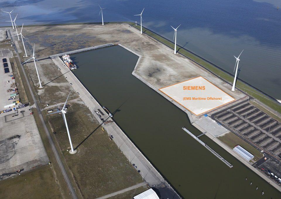 De Beatrixhaven met de locatie van EMS Maritime Offshore waar Siemens een offshore service centrum gaat bouwen