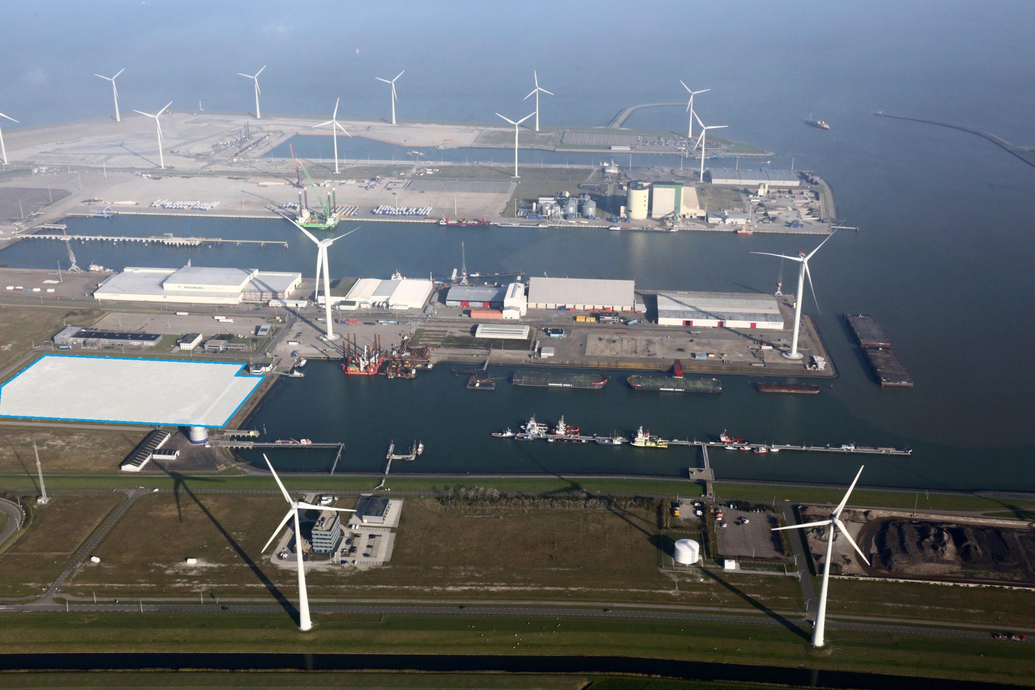 Het MKB offshore terrein aan de Emmahaven (Eemshaven)
