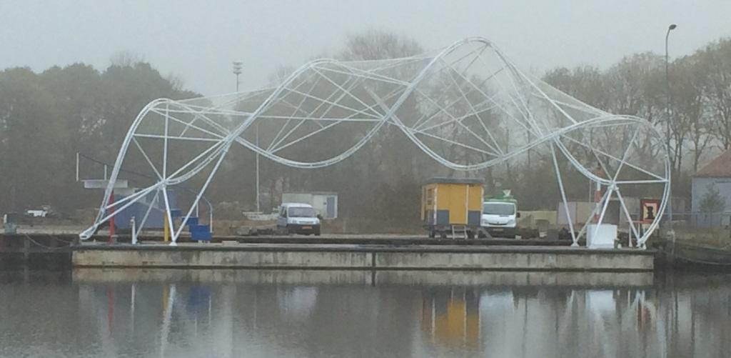 Het door Heuvelman Ibis gerestaureerde Maki-paviljoen ligt er weer mooi bij en krijgt binnenkort een plaatsje in de haven van Delfzijl